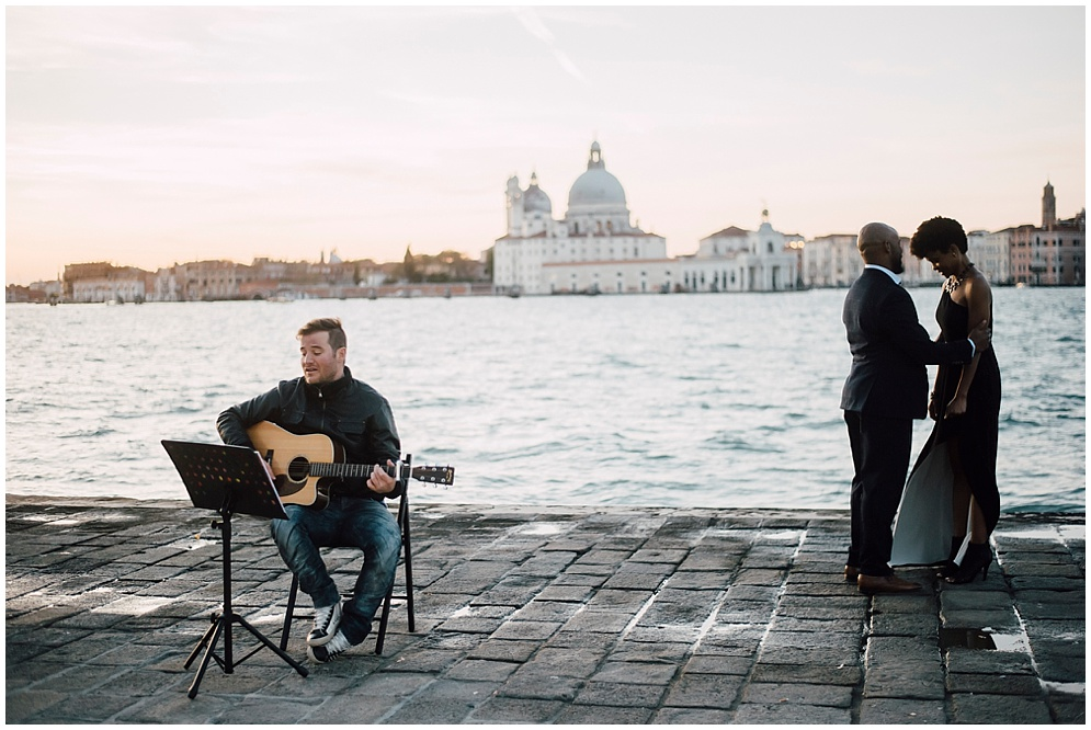 musician-guitarist-singer-venice-proposal_0005